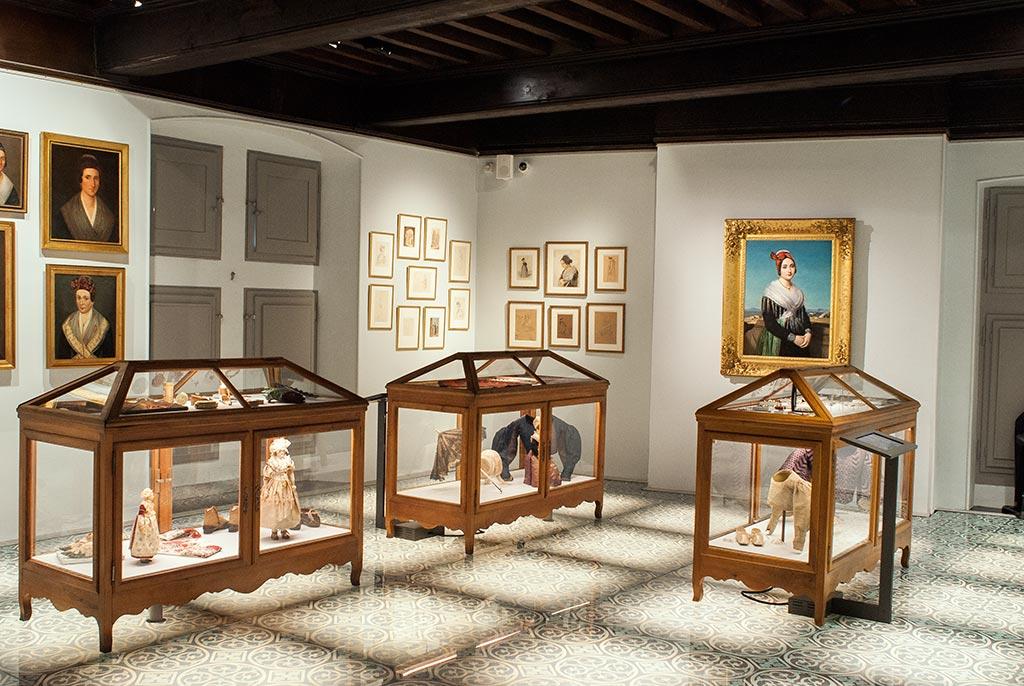 Salle vêtements 19ème siècle